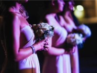 koszorúslányok az esküvőn